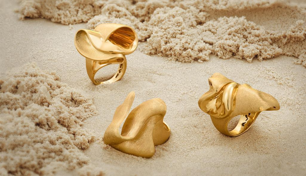 Showcase: Satin Sea Golden Rings