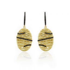Hand Woven Gold Earring With Diamonds